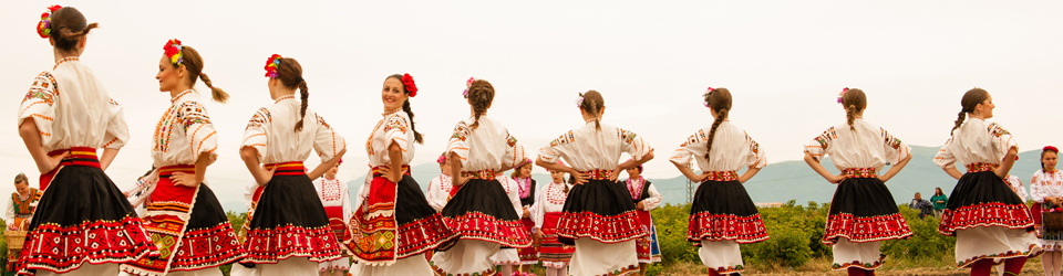 rose-valley-wide-rv-dancers-001.jpg